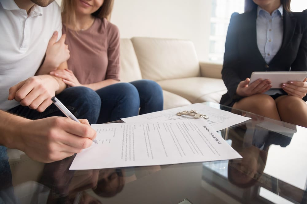 What Are the Advantages of Long-Term Rental Agreements?